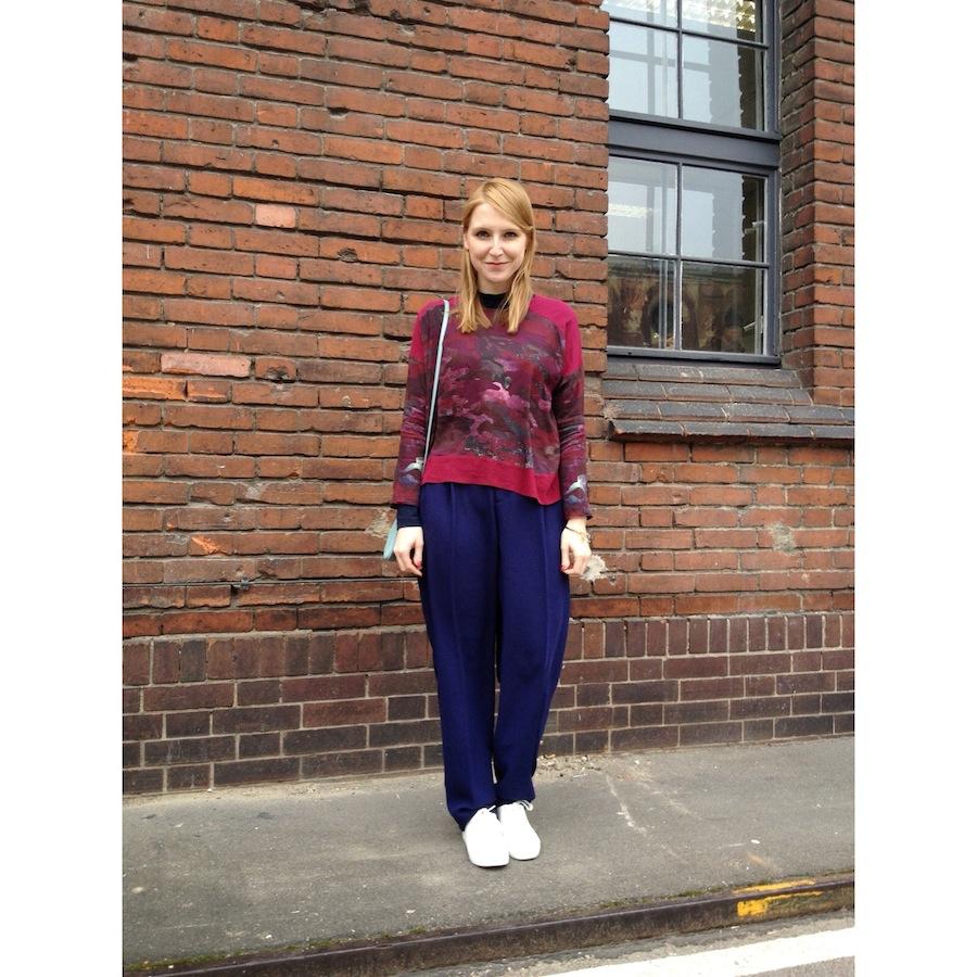Tag 1 war Messetag und deshlab musste es bequem sein: ich trage eine Bluse von Lala Berlin, Hose von & Other Stories, Schuhe von H&M, Tasche von Céline